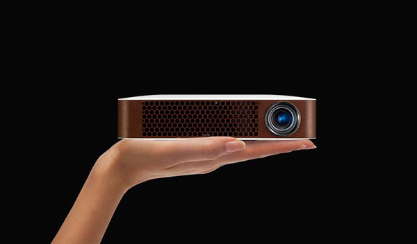 Bluetooth-MiniBeam-Projector-3