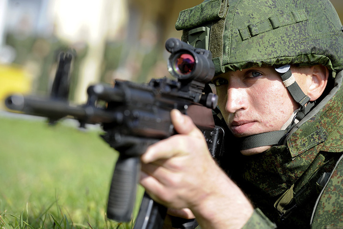 В России выбирают автомат будущего: АК-12 против АЕК-971
