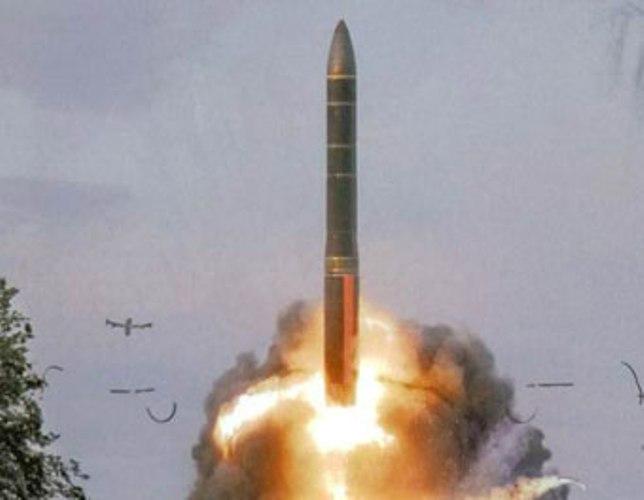 """Россия провела запуск межконтинентальной баллистической ракеты """"Ярс"""" - видео"""