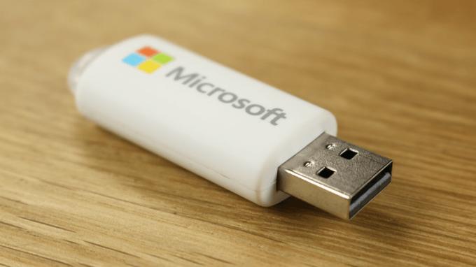 Microsoft предложила бесплатную копию легальной Windows 10 для теста