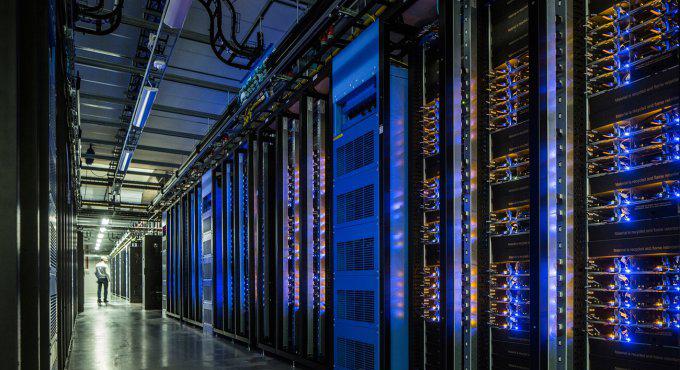 Марк Цукерберг продемонстрировал, как устроены дата-центры социальная сеть Facebook