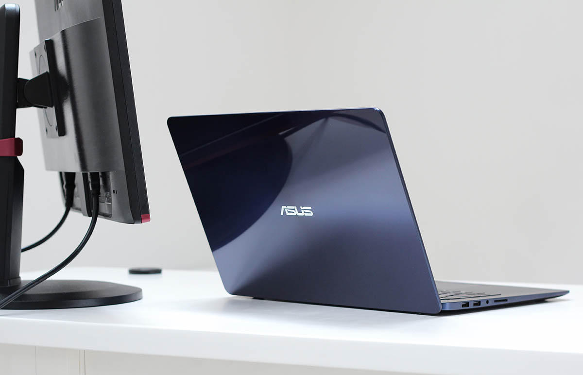 ASUS ZenBook UX530 в интерьере