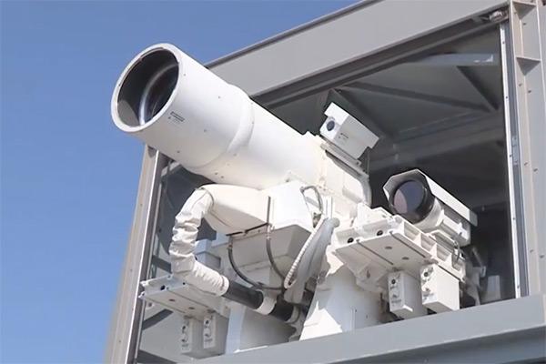 Американцы испытали боевой лазер в Персидском заливе - видео