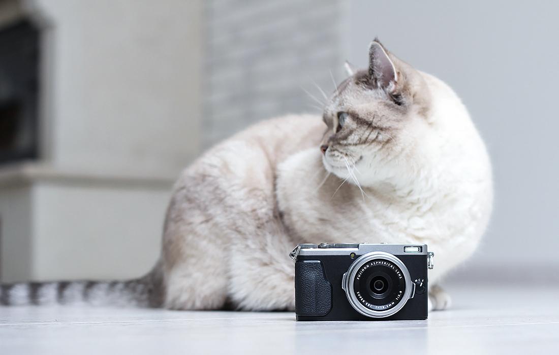 Fujifilm_x70_1