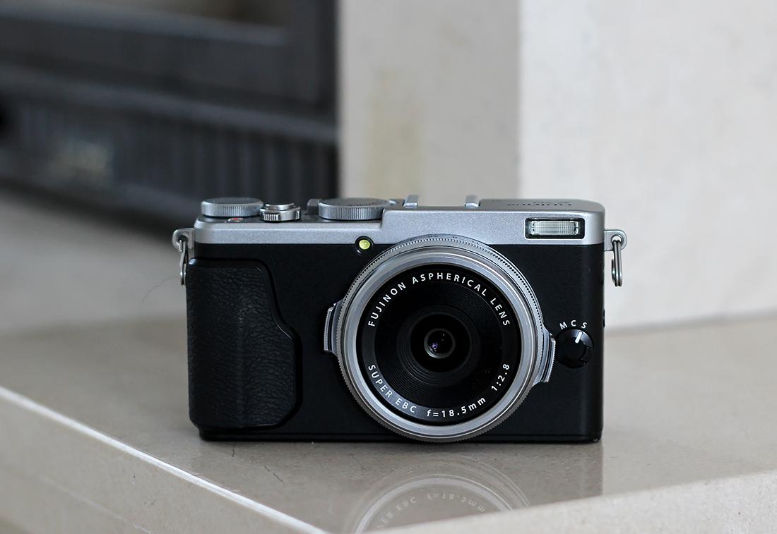 Fujifilm_x70_2