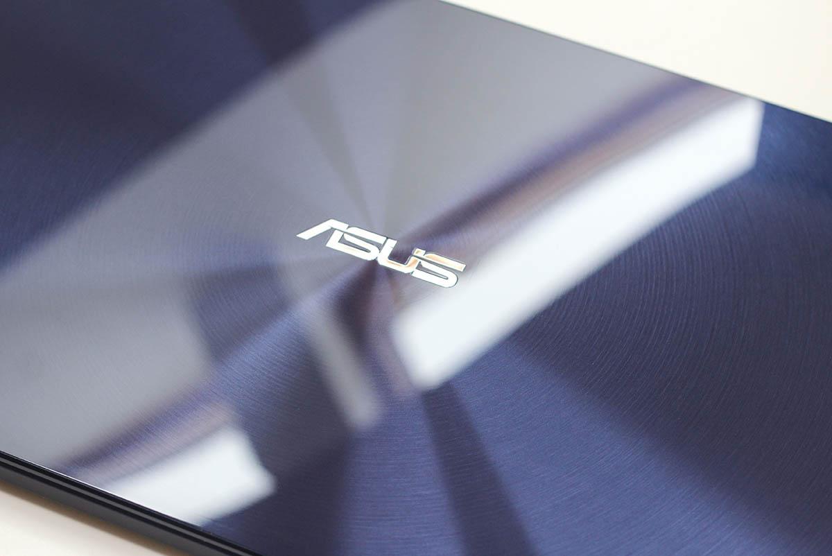 ASUS ZenBook UX530 - основная поверхность