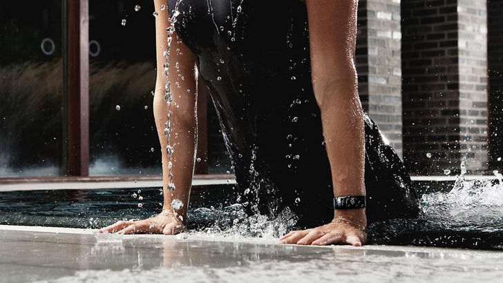 Samsung Gear Fit2 Pro: водонепроницаемый умный браслет для спорта и не только