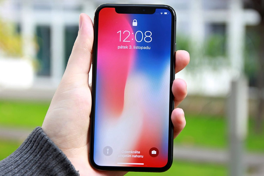 в iPhone X выгорает дисплей