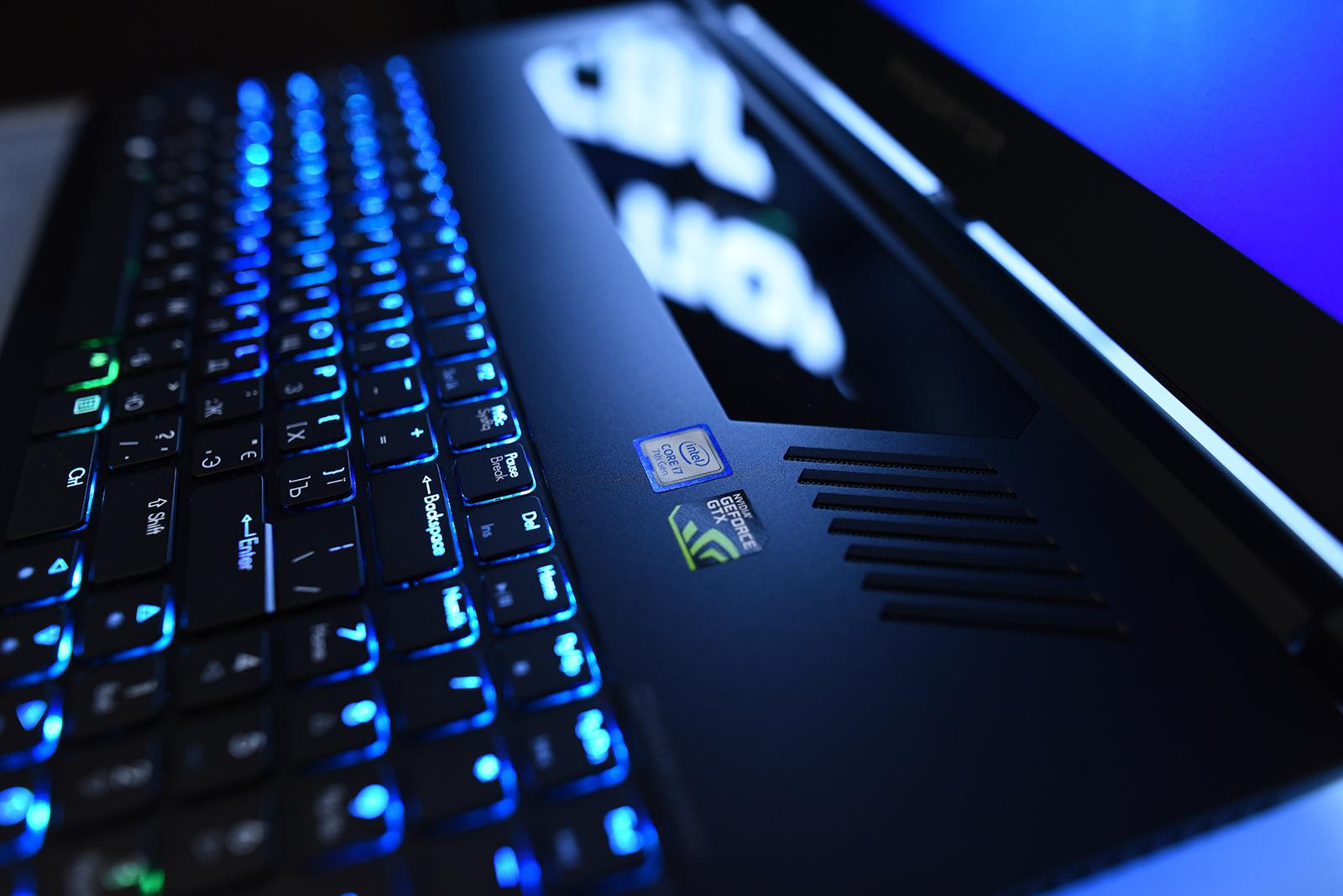 В Украине представлены игровые ноутбуки Acer Predator Helios 300 и Predator Triton 700
