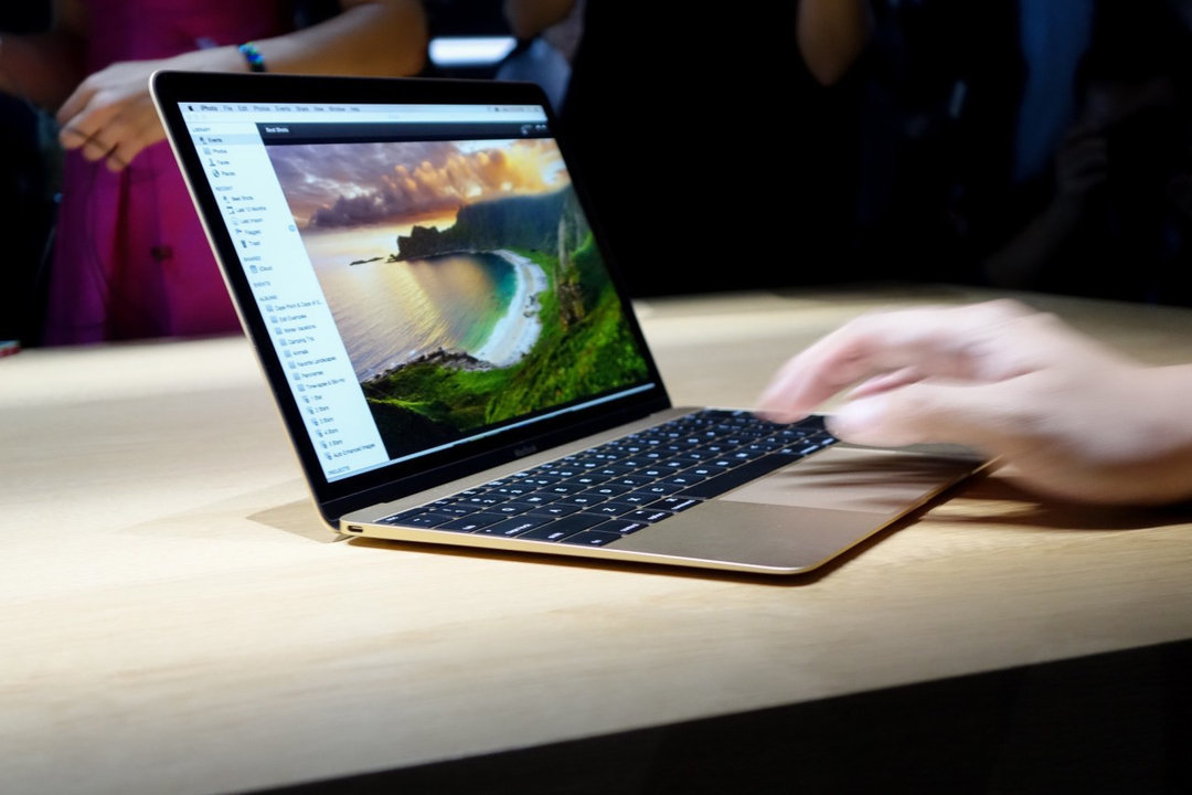 Apple готовит анонс недорогих MacBook