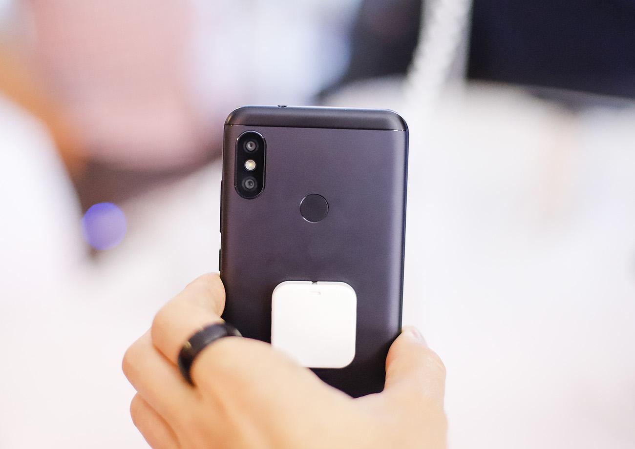 Xiaomi Mi 8, Mi A2 и Mi A2 Lite официально в Украине - цены и подробности