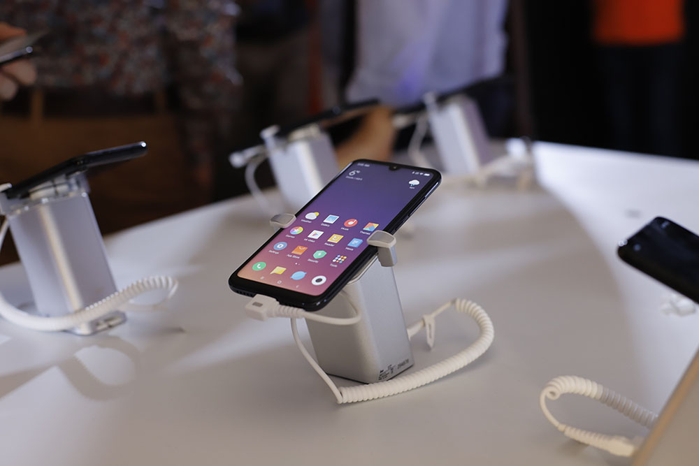 Смартфоны Redmi Note 7 и Mi Play представлены в Украине - цены и подробности