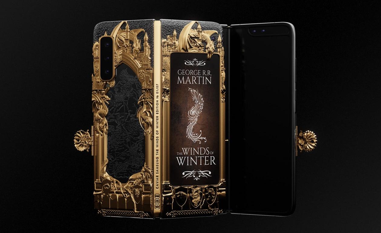 """Caviar представила раскладной смартфон Samsung Galaxy Fold в стилистике """"Игры престолов"""""""