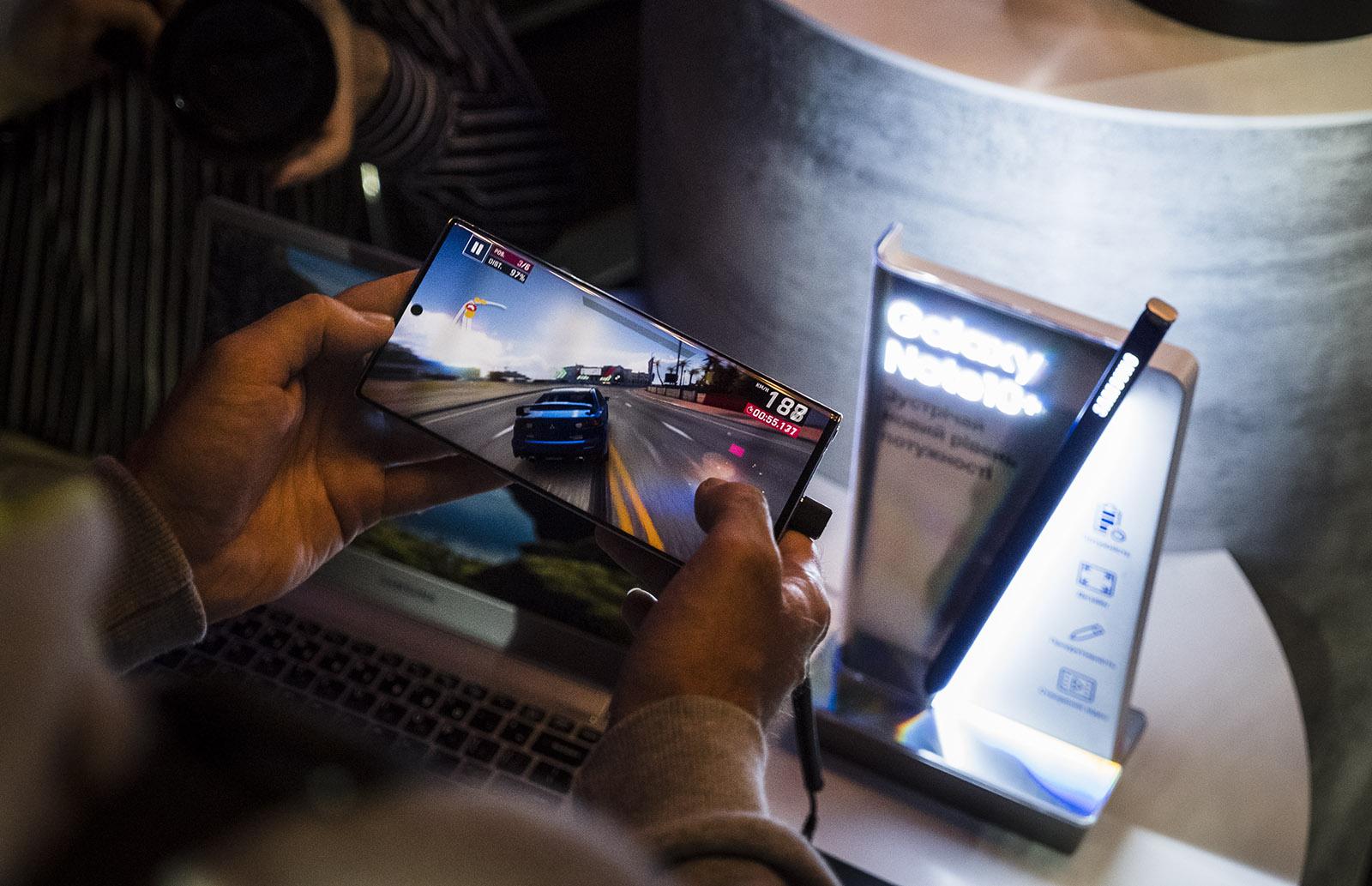 Samsung Galaxy Note10 и 10+ в Украине: первые впечатления и цены