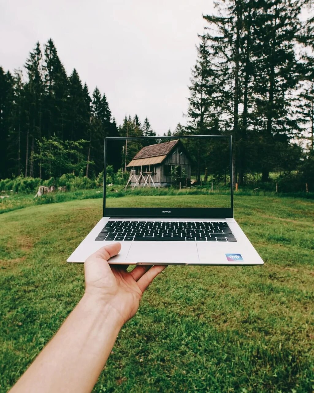 Мощные компактные ноутбуки HONOR MagicBook X 14 и MagicBook X 15 представлены в Украине