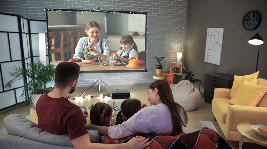 3 причины купить вместо телевизора проектор